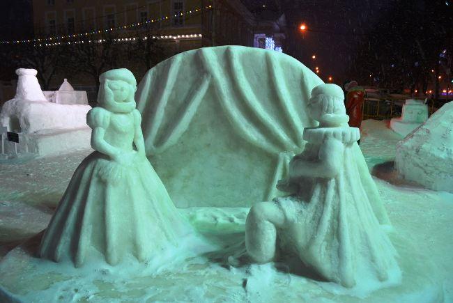 В Буй уехал главный приз фестиваля ледовых скульптур, фото-1