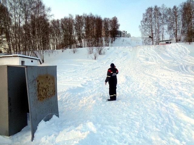 В Костроме девушек увезли с горок на скорой , фото-1