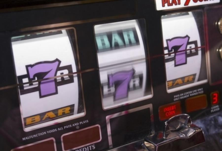Утверждает, Игровые Автоматы Нелегальные сиял Макс Для
