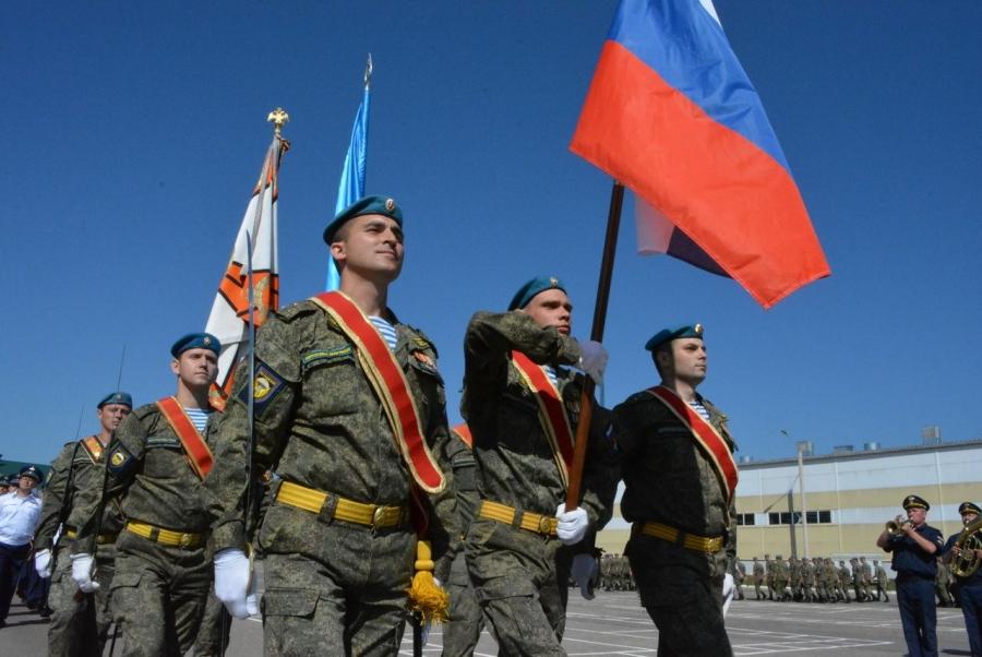 Сергей Ситников поздравил костромских десантников с88-й годовщиной образования ВДВ