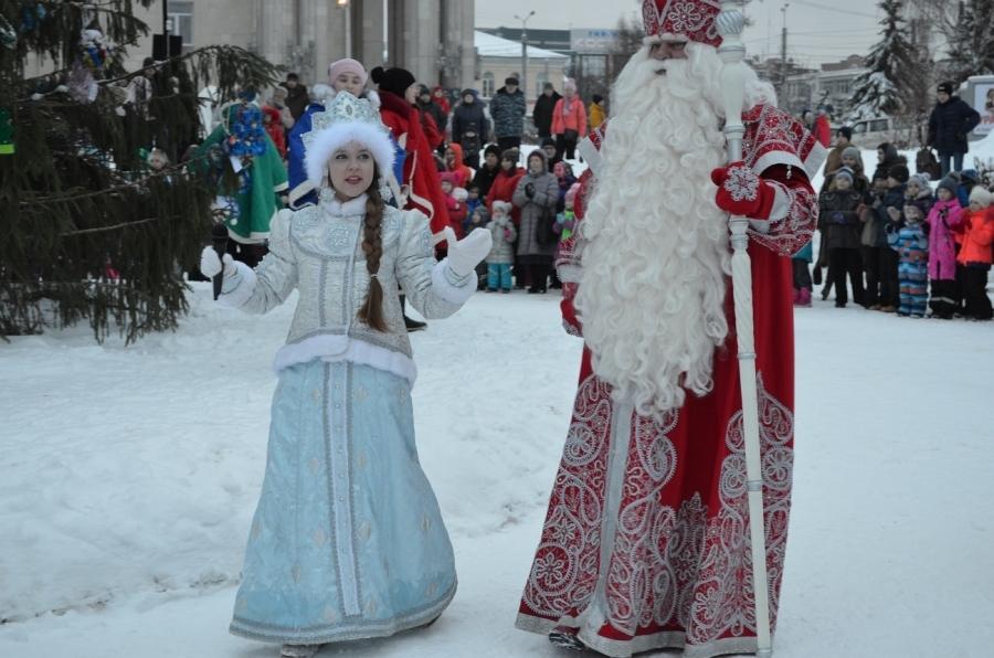 Русский дедушка Мороз зажжет елки вКостроме вДень энергетика